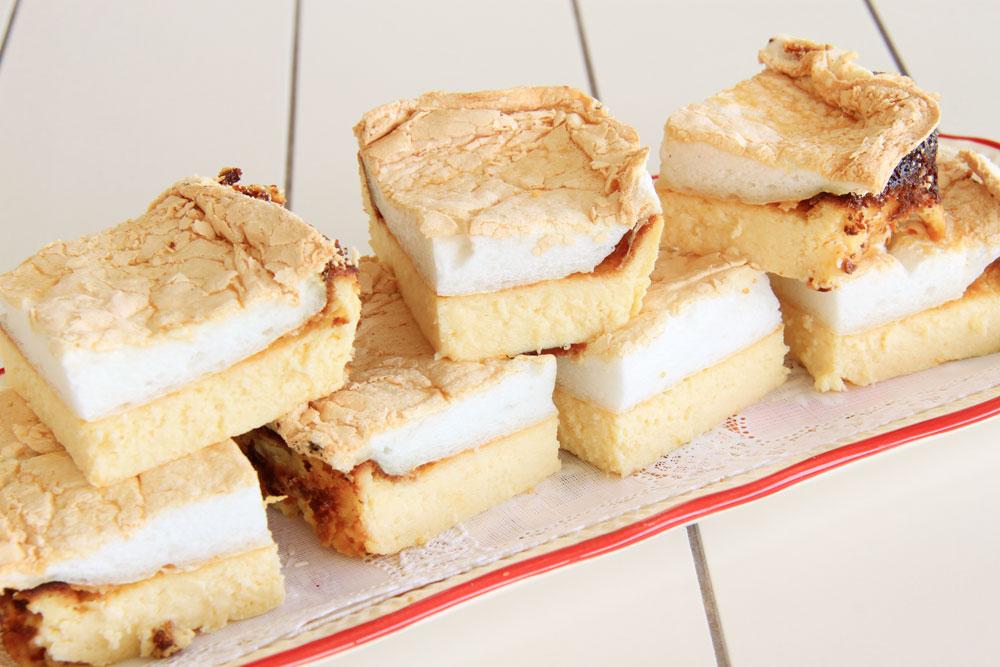 עוגת גבינה עם ציפוי מרנג (צילום: אסנת לסטר)