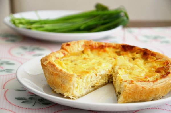 פשטידת גבינות ובצל (צילום: אפרת סיאצ'י)