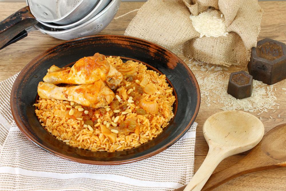 אורז אדום עם עוף (צילום: אסנת לסטר)