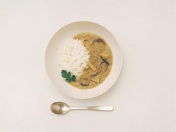 הפריט האהוב על יאסוי: כלי אוכל לבנים מקרמיקה תוצרת יפן (באדיבות Muji)