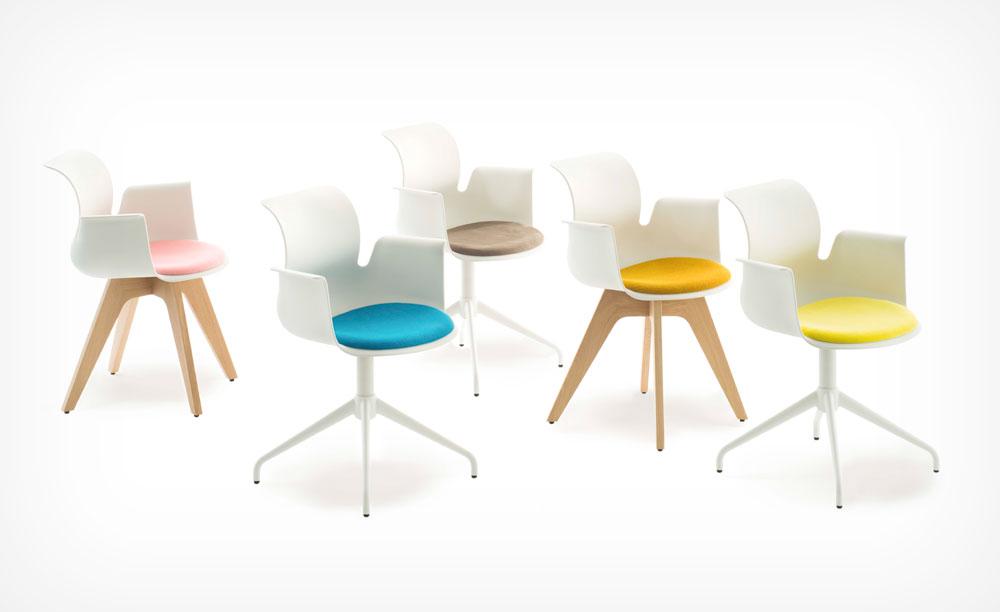 קונסטנטין גרצ'יץ' הרחיב את הכיסאות השגרתיים למדי של Floetotto הגרמנית, כך שכל כיסא ייראה אחרת: הרגליים, ריפוד המושב והאפשרות לכיסא עם או בלי משענת זרוע ( )