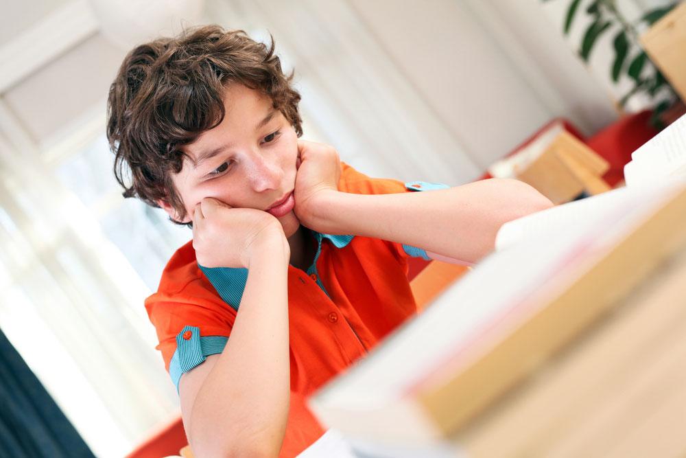 """""""מורים מפנים לאבחון רק תלמידים שמפריעים בכיתה. ילד שקט ומנומס, כמו בני, כלל לא היה מגיע לאבחון ללא ההתעקשות שלי"""". צילום אילוסטרציה (צילום: shutterstock)"""