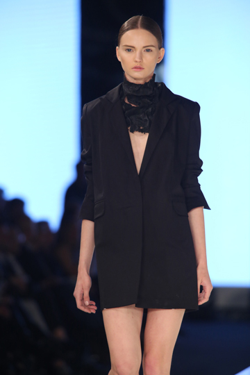 הקולקציה שהציגה רימה רומנו בשבוע האופנה האחרון בתל אביב, שזיכתה אותה בפרס המעצבת המבטיחה (צילום: אבי ולדמן)
