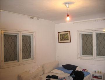 חדר השינה, ''לפני''. שימש את הסבא (צילום: רותם גיא)