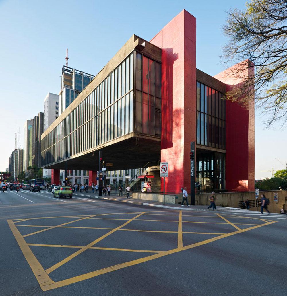 המוזיאון לאמנות מודרנית בסאו פאולו, אחת העבודות הבולטות של לינה בו ברדי. הצהרה הנדסית נועזת, עם תרומה למרחב הציבורי (צילום: © Iñigo Bujedo Aguirre  )