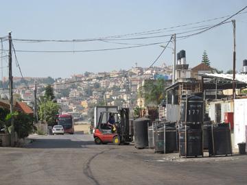 מפעל שימורים בבאקה אל-גרבייה. בלי סובסידיות (צילום: המעבדה לעיצוב עירוני)