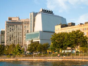 הבניין החדש של המוזיאון, מבט מנהר ההדסון (צילום: Karin Jobst)