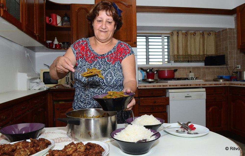 שולה גלעדי. מעבירה חוויה שהיא מעבר לאוכל (צילום: ריטבו, באדיבות אוצרות הגליל )