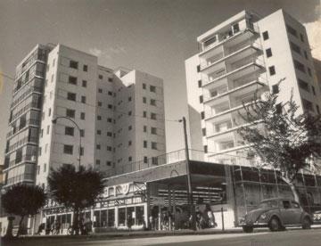 לא סתם בניינים, אלא מחשבה על מקום: הפרויקט מעל השופרסל ברחוב ארלוזורוב (מתוך ארכיון אהרון דורון באדיבות גיא שניאור)