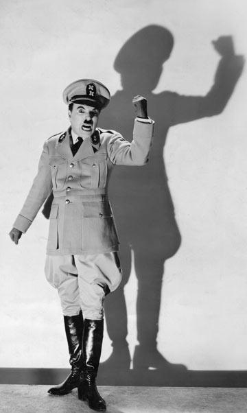 """היי, היטלר. """"הדיקטטור הגדול"""""""