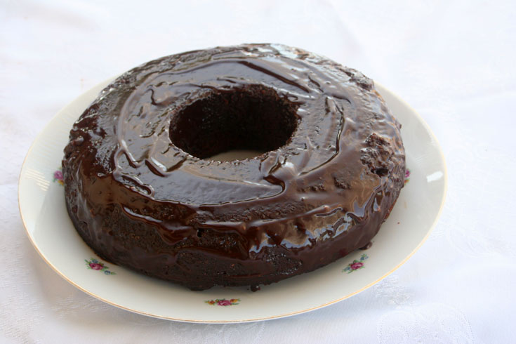 עוגת קובי - עוגת שוקולד מאבקה להכנת שוקו (צילום: אסנת לסטר)