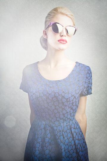 קיץ 2012: משקפי שמש עם עדשות מראה לנשים של אנדי וולף