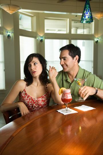 ''רוצה לקפוץ איתי מדרגת מס?'' (צילום: thinkstock)