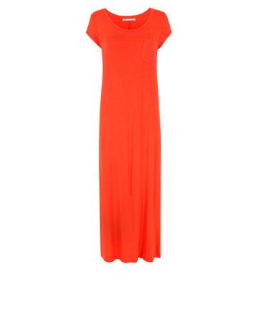 שמלה של גאפ, כמה זה עולה לנו? בישראל: 260 שקל, בארה''ב: 60 דולר, באירופה: 29.95 יורו (צילום: טל טרי)