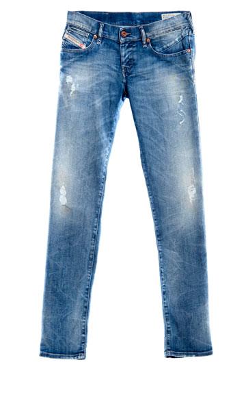 ג'ינס לנשים של דיזל, כמה זה עולה לנו? בישראל: 1,050 שקל, בארה''ב: 268 דולר, באירופה: 180 יורו (צילום: קמילה סימון)