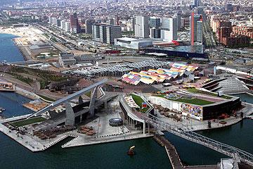 המפגש של שדרת דיאגונל עם חוף הים התיכון. ברצלונה (צילום:  Amadalvarez, cc)