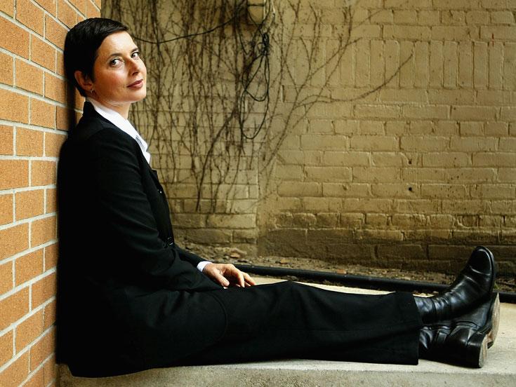 איזבלה רוסליני. מודל יופי נצחי ואייקון אופנה מוערך (צילום: gettyimages)