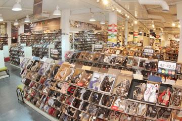 Better Price. נעליים בקופסאות לפי מידות (צילום: יוני רייף)