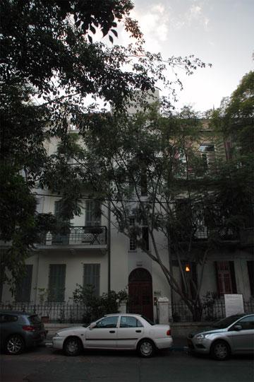 טאון-האוס שבו מתגוררים רונית רייכמן ודן להט ברחוב נטר, אחד המבוקשים ברובע (צילום: אמית הרמן)