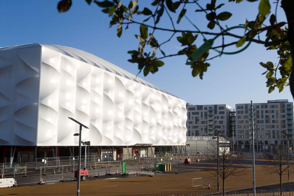 215 אלף מטרים רבועים של ממברנות PVC לבנות ומתמחזרות מהווים את מעטפת האולם (צילום: David Poultney ODA, London 2012)
