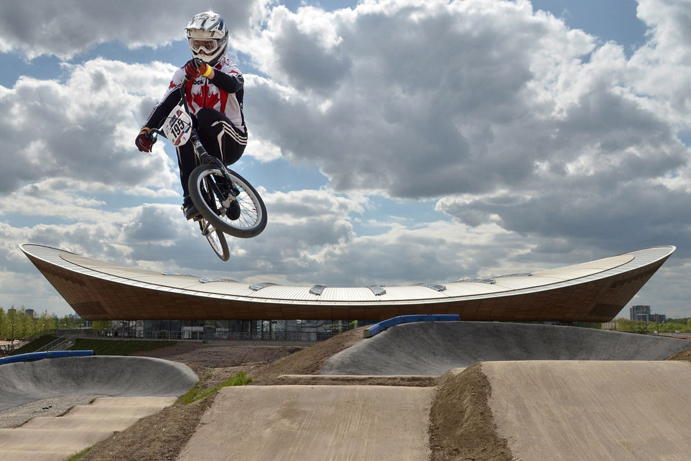 זהו חלק מפארק אופניים שיארח תחרויות אופני BMX, רכיבת שטח וכביש, וישמש את הבריטים גם אחרי המשחקים (צילום: Justin Setterfield, London 2012)