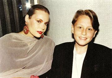 דנסקי עם בנה נואל, כשהיה בן 13