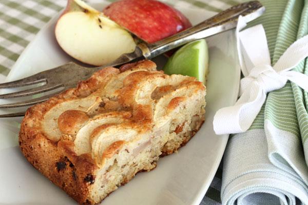 עוגת תפוחי עץ (צילום: אסנת לסטר)