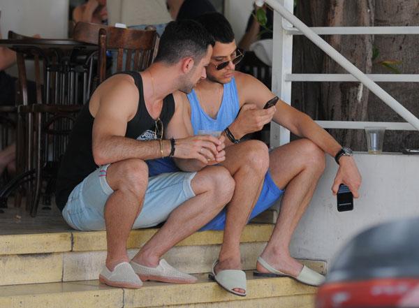 רומנטיקה וגאווה גם יחד. עזר ואסקולה (צילום: רועי קסטרו)