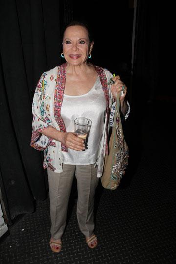 גילה אלמגור. היאכנע הקלאסית של התיאטרון הישראלי (צילום: ניר פקין)