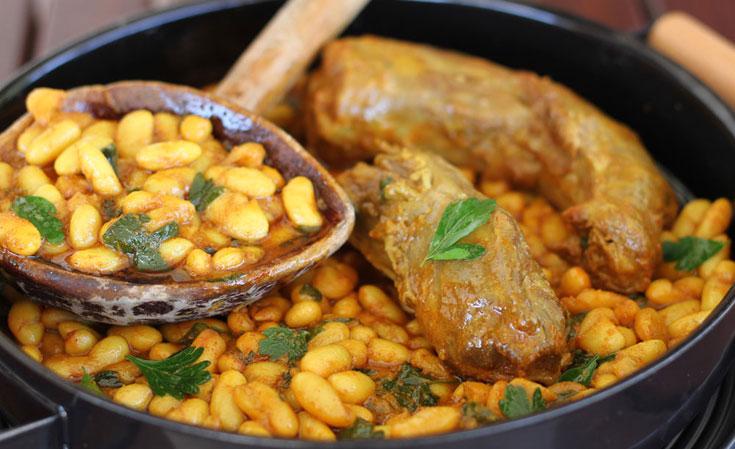 תבשיל גרונות הודו עם שעועית (צילום: אסנת לסטר)