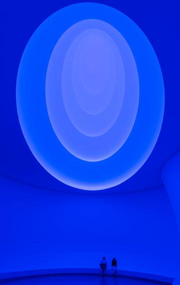 ולפעמים בכחול (צילום: David Heald © Solomon R. Guggenheim Foundation, New York)