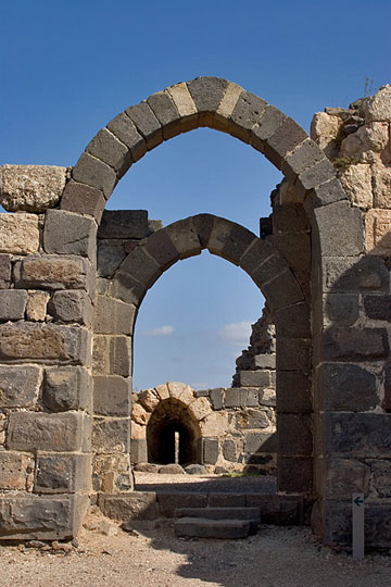 מבצר בן כמעט אלף שנים. כוכב הירדן (צילום :דורון ניסים ארכיון רשות הטבע והגנים)