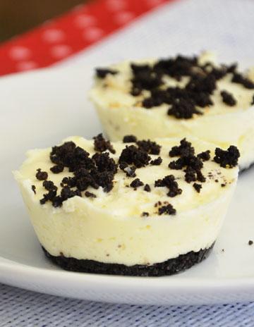 """עוגת גבינה ועוגיות """"אוראו"""" (צילום: אורלי חרמש)"""