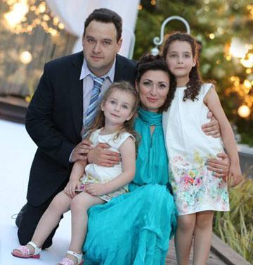 משפחת בלקינד בהרכב מלא (צילום: דימה שביצ׳נקו)