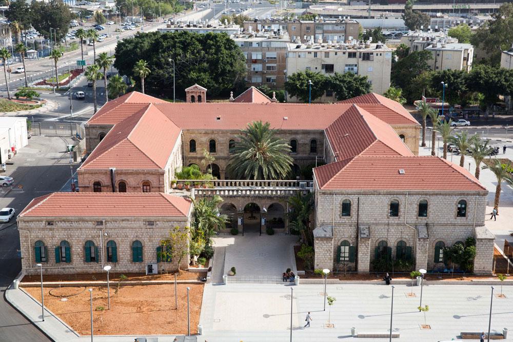 המנזר הכרמליטי הישן, אף הוא חלק מבית החולים רמב''ם שמגולל את סיפורה של האדריכלות במאות האחרונות (צילום: דור נבו)