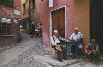 פורטופינו, איטליה. כפר דייגים קטן עם בתי אבן צבעוניים (צילום: gettyimages)