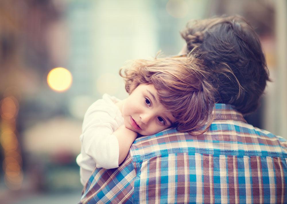 ברגעים הקשים - ילד צריך את אבא שלו (צילום: shutterstock)