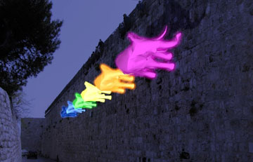 פילים על חומות העיר העתיקה ב''פסטיבל האור''