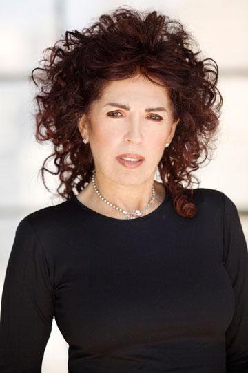 רזיאלה גרשון. מעצבת לאישה הישראלית שמחפשת לבוש מחויט וקלאסי (צילום: גיא כושי ויריב פיין)