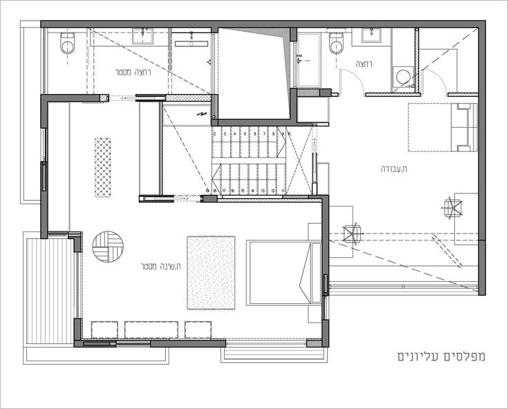 תוכנית שני המפלסים, ''אחרי'': חדר ההורים הפך לחדר עבודה (מימין), חדרי הילדים הפכו לסוויטת שינה (תכנית: שחר רוזנפלד  אדריכלים   )