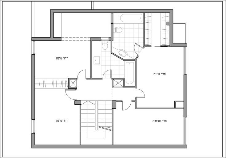 """קומת המגורים """"לפני"""": חדר הורים, חדר עבודה וחדרים לשתי הבנות (תכנית: אדריכלית אורן גרינספן)"""
