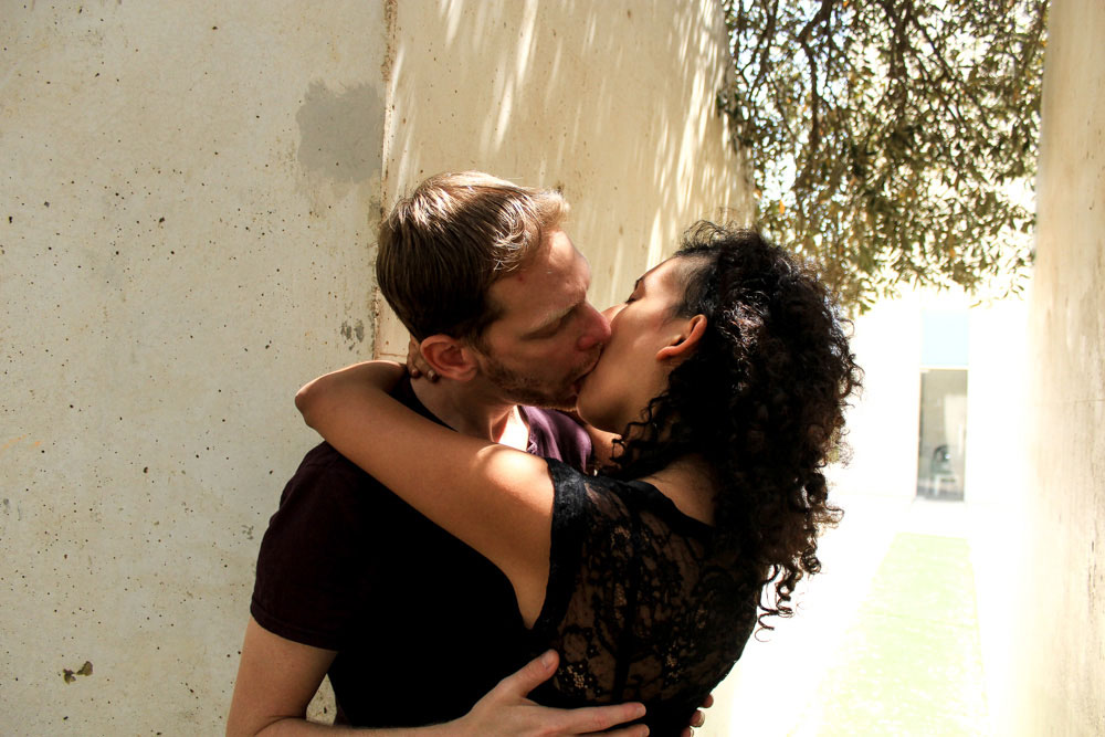 """השידוך נעשה לפי תחושת בטן של ביק. מתוך פרוייקט """"נשיקה ראשונה"""" (צילום: ג'ני ביק)"""