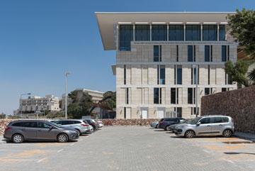 לא הוכשרו מקומות חניה חדשים. הבניין מועמד לתקן בנייה ירוקה (צילום: אלי סינגלובסקי)