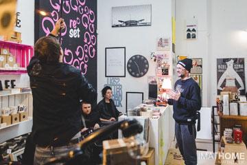 אגתה האסיאק בחנות הקונספט שלה, reset (צילום: Matt Kovalik)