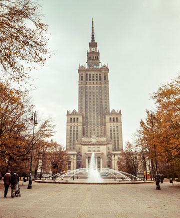 ''מתנתו של סטאלין לאומה הפולנית'' - ארמון המדע והתרבות במרכז ורשה (צילום: shutterstock)