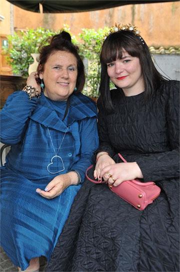 עם הכתבת המיתולוגית סוזי מנקס