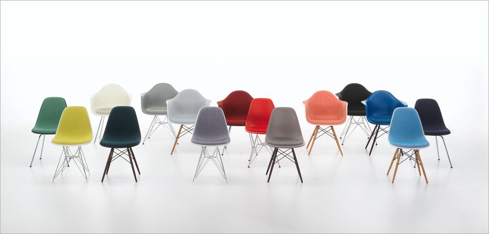 מי לא מכיר את הקלאסיקה הזו? כיסאות אימס, שכבר הפכו לקלישאה עיצובית, לא יוצאים מהאופנה. Vitra משיקה אותם גבוהים בשני סנטימטרים (כי כולנו גבהנו מאז 1948) ובשישה גוונים נוספים