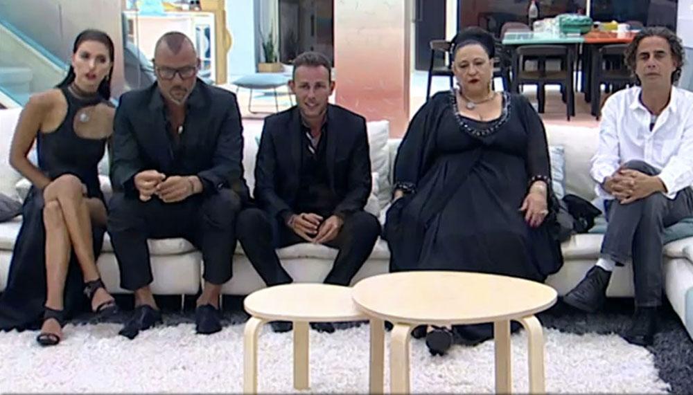 רגע לפני עזיבת הבית: נירו לוי, סטלה עמר אליס, מושיק עפיה, איציק זוהר ושיר אלמליח (צילום: ערוץ 2)