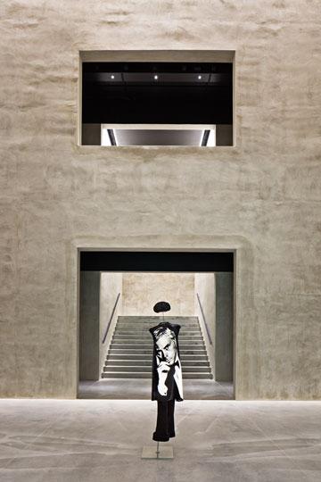 מוזיאון ארמני. האדריכל היפני טדאו אנדו הופקד על חידוש הבניין (צילום: Davide Lovatti)