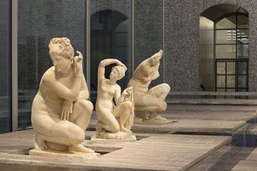 תערוכת הפסלים במוזיאון (צילום: Attilio Maranzano)